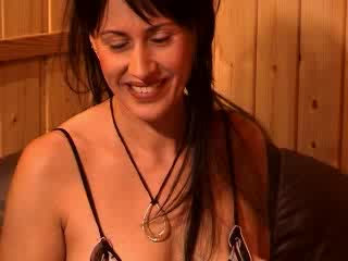 Riana strip webcam Gratis Video